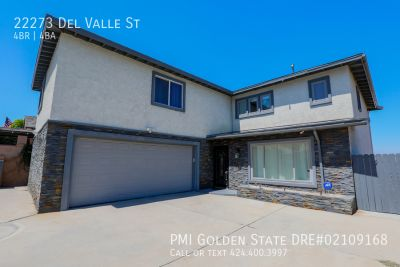 Stunning Hillside 4-bed 4-bath home with pool and basketball court!