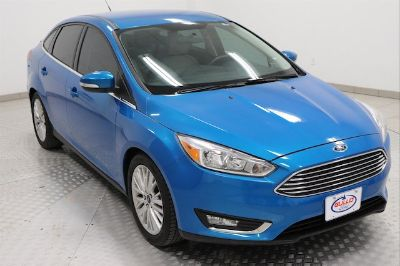 2015 Ford Focus Titanium (Blue Candy Metallic Tinted Clearcoat)
