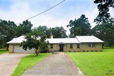 119 Acr 3192 Frankston Three BR, Country living at its finest!
