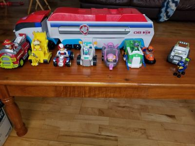 PAW PATROL PATROLLER AND ACTION FIGURES WITH VEHICLES