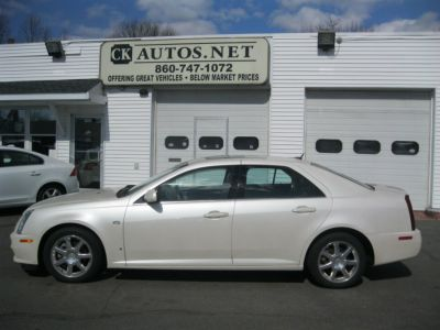 2006 Cadillac STS V6 (White Diamond)