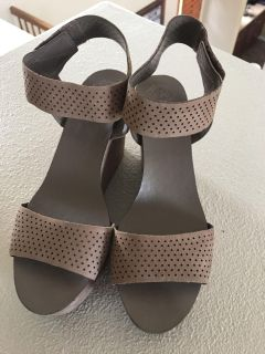 VINCE CAMUTO from Macy s only worn once