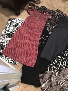 HUGE lot of women s clothes
