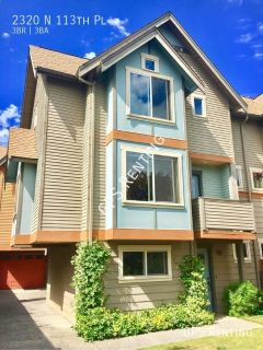 3 Bed 2.5 Bath Town Home in North Seattle