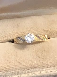 Vintage 1/2 Carat Diamond Engagement Ring - Decorative Gold Mounting - Perfect Condition