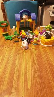 Little people pet shop with animals