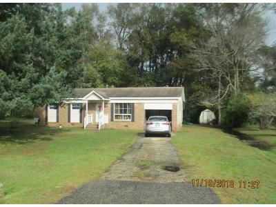 3 Bed 1.0 Bath Preforeclosure Property in Conway, SC 29526 - Old Highway 472