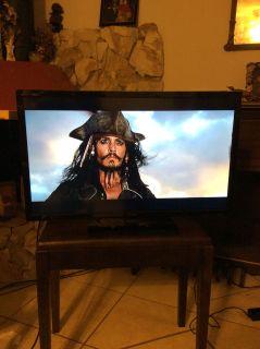 Insignia 32 HDTV Like New!