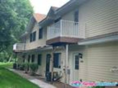 Two BR/One BA Townhouse Near Parks/Trails