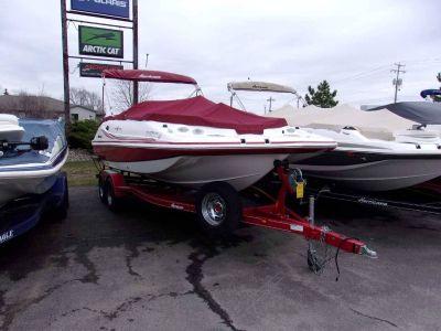 2013 Hurricane SunDeck Sport 202 IO Deck Boats Kaukauna, WI