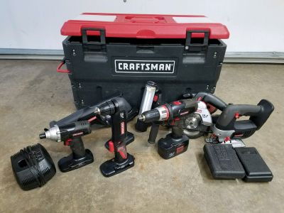 8 piece 19.2 volt Craftsman set comes with two sets of bits and carry case charger One battery