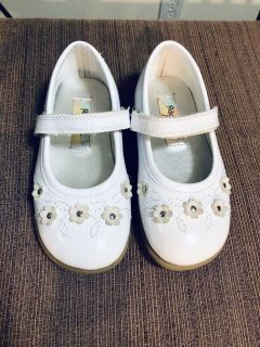 Toddler White Patent Dress Shoes ~ 8