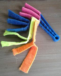 Really cool blinds duster, hardly used!