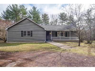4 Bed 3 Bath Foreclosure Property in East Stroudsburg, PA 18302 - Caryl K Ln