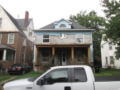 4 bedroom in Cleveland