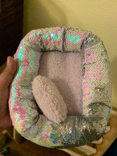 Small play pet bed from justice $2