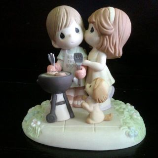 """NEW PRECIOUS MOMENTS """"OUR LOVE SIZZLES"""" FIGURINE"""