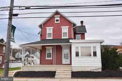 450 W Penn Ave Robesonia, Three BR, 1.5 BA detached home