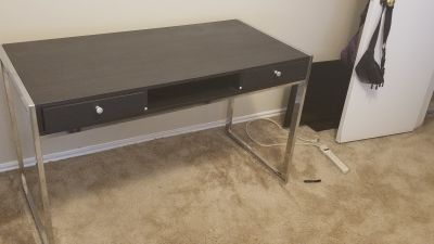Black Computer Desk (with 2 pullout Drawers)