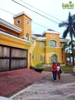 Overlooking house in Vista Grande in Cebu City