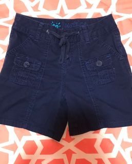 Girls size 8 Justice Brand Bermuda shorts in EUC.