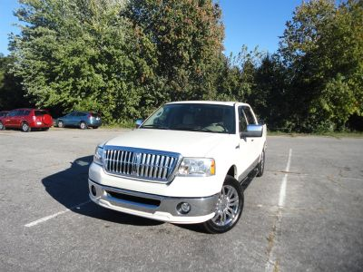 2008 Lincoln Mark LT Base (Ivory)