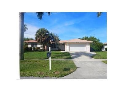 3 Bed 2 Bath Foreclosure Property in Marco Island, FL 34145 - Fairlawn Ct