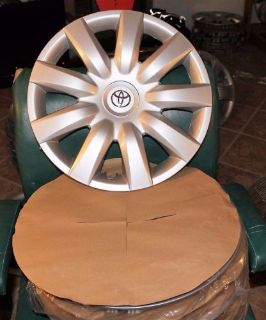 "Purchase NEW OEM TOYOTA COROLLA HUBCAPS (4) 61136 - 15"" WHEEL COVERS 2004 TO 2006 HUBCAP motorcycle in Port Richey, Florida, United States, for US $125.99"