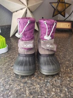 Size 5 (SPORTO) toddler winter boots. Clean. Smoke Free Home.