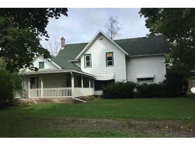 3 Bed 1.5 Bath Foreclosure Property in Cohocton, NY 14826 - Maple Ave