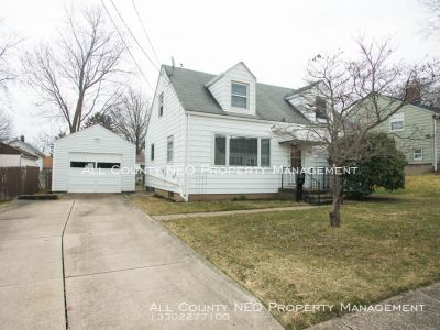 Ideal House in Cuyahoga Falls Available Now!