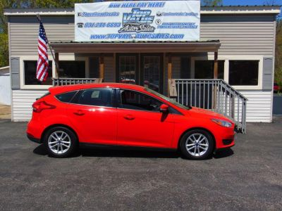 2017 Ford Focus (RED)