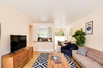 $4320 2 apartment in West Los Angeles