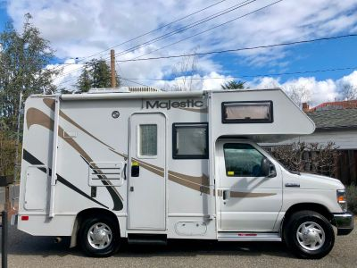 2008 Thor Motor Coach FOUR WINDS MAJESTIC 19G