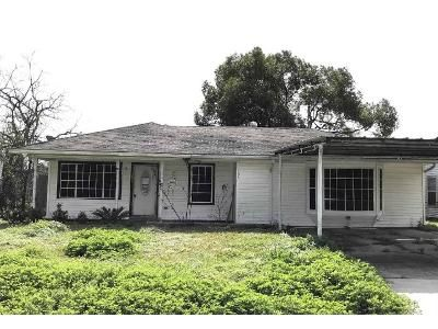 4 Bed 2 Bath Foreclosure Property in Baytown, TX 77520 - S Circle Dr