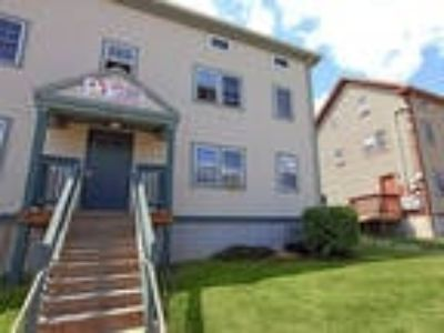 Easterly Shores and Niagara Court Apartments - Easterly Shores One BR One BA