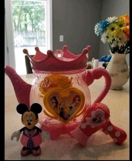 Mix toys, large pitcher container, Minnie and Minnie hair dryer