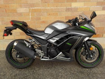 2015 Kawasaki Ninja 300 SE Sport Motorcycles San Antonio, TX