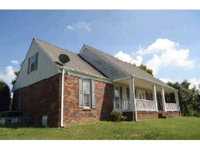 4 Bath Preforeclosure Property in Mount Pleasant, TN 38474 - Dry Creek Rd