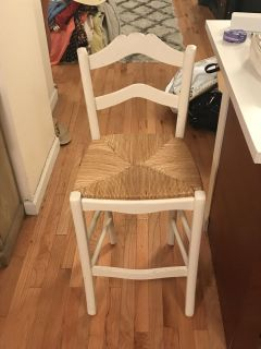 2 bar stool style chairs