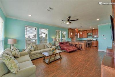 $4000 4 single-family home in Gulf Coast