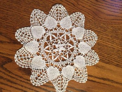 9 Delicate Vintage Hearts and Star Design Doily