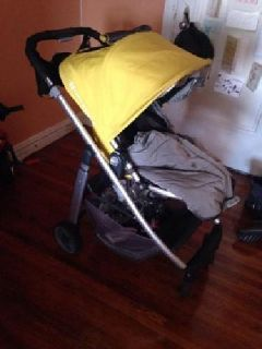 2013 Uppababy Cruz stroller in Yellow