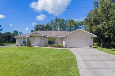 Beautiful home with lots of privacy, over 1800 sq. feet. located in Northport, FL