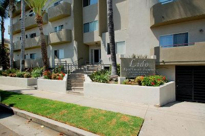 $2995 2 apartment in West Los Angeles