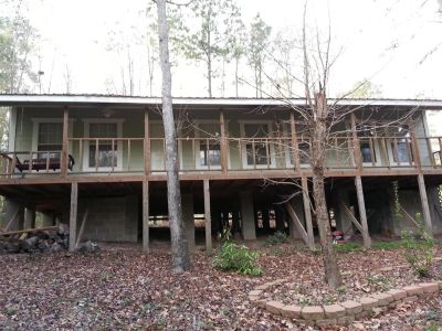 $600, Roommate wante. Cabin in the woods