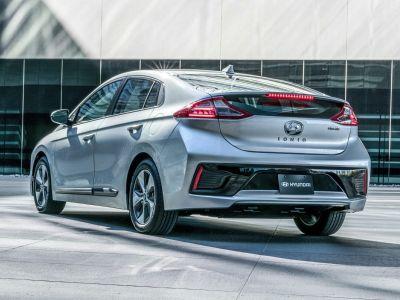 2019 Hyundai Ioniq EV Limited (Black Noir Pearl)