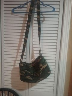 Women's Camo Shoulder Bag OBO
