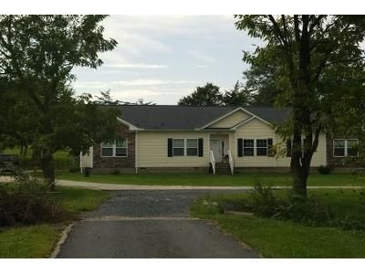 3 Bed 2 Bath Preforeclosure Property in Harrisonburg, VA 22802 - Fortune Dr
