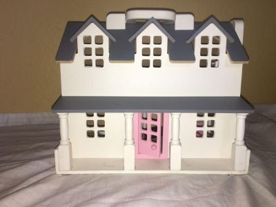 Pottery Barn Kids - My First Dollhouse
